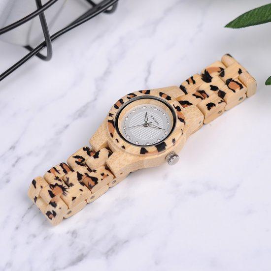 Női fa karóra bambusz strasszkő leopárd
