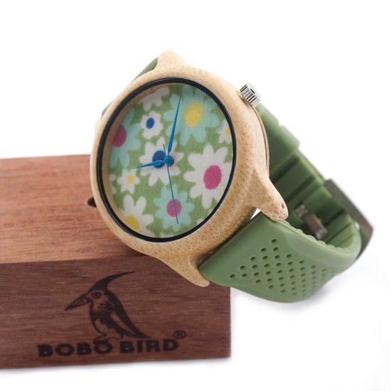 Bobo bird fa karóra zöld virágos